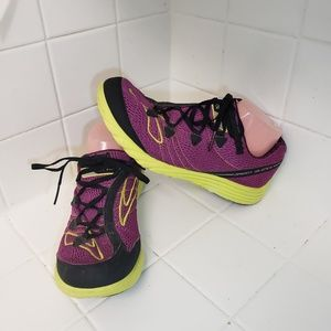 Brooks Green Silence Womens Size 9.5 Running Shoes